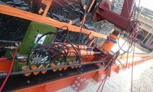 hydraulic cylinder lifting concrete box