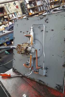hydraulic device servicing