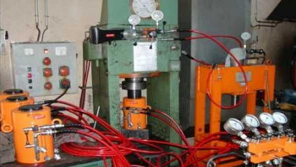 hydraulic equipment testing bench