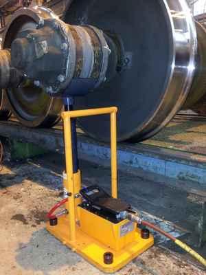 hydraulic lifting device train industry