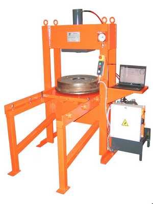 presse hydraulique spécifique 50T avec table coulissante