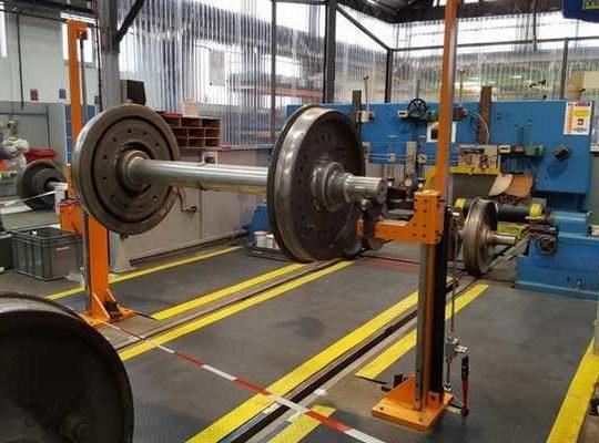 Vérin hydraulique levage ferroviaire