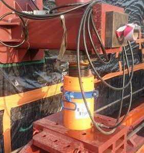 levage et ripage à l'aide de matériels hydrauliques